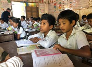 Kambodscha Kinder in der Schule