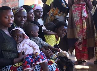 Kongo Warteschlange Arzt