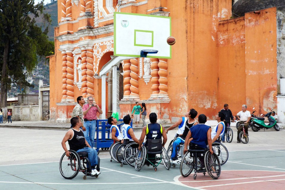 Guatemala Basketball mit Rollstuhl