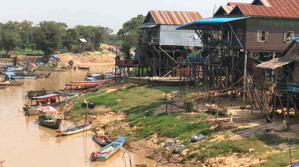 dreckiger Fluss Kambodscha