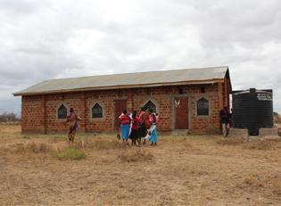 Wassertanks fuer Kenia