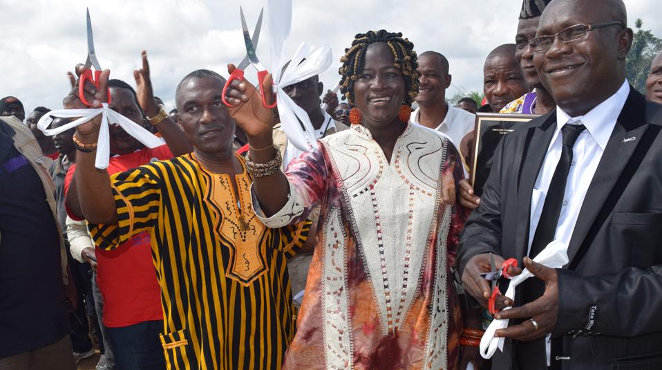 Die Schule in Liberia wird eroeffnet