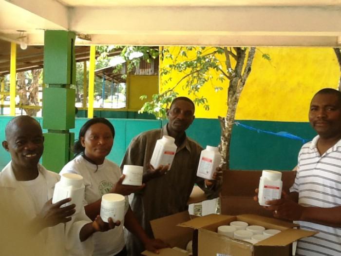 CHF- Hoffnung für Kinder, Medikamentenlieferung Liberia